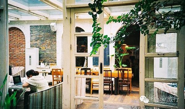 临街咖啡厅设计